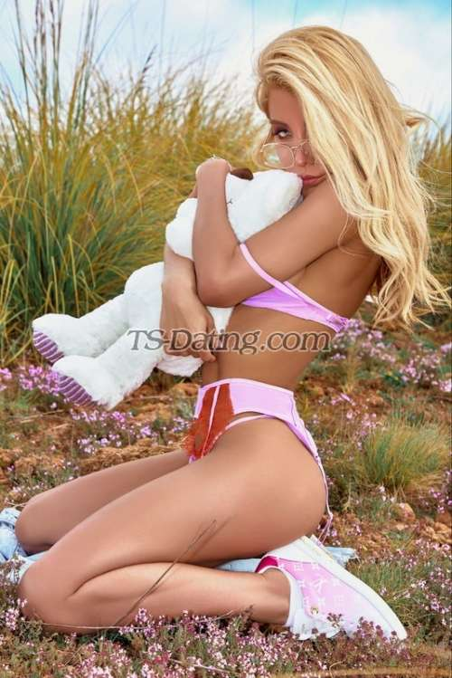 Agustina  Shemale Escort in Amsterdam  - m.TS-Dating.com